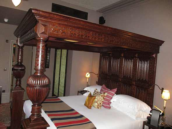 four-poster-bed-wood-restoration