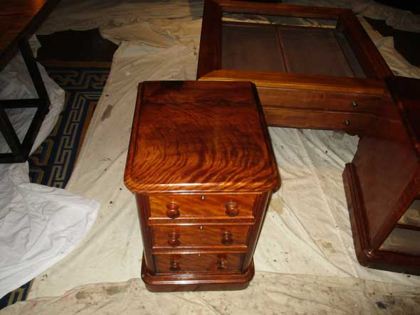 bedside-table-refinishing